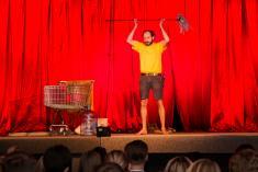 Divadelní představení CAVEMAN
